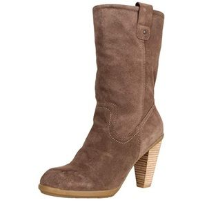 🔥Kenneth Cole Reaction Happy hunt in taupe boot🔥